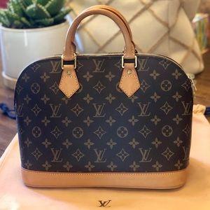 🎀ALMA🎀 Louis Vuitton Alma monogram